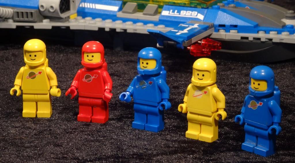 lego_spaceship_04_benny