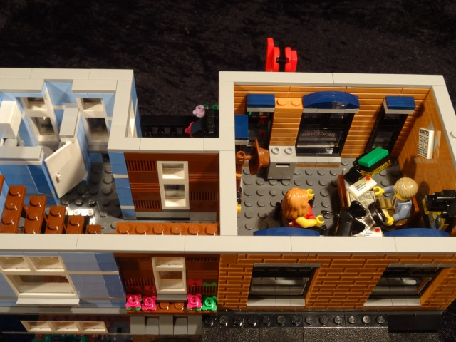 Lego Detective's Office (10246) *cue smooth jazz* | The Bearded Nerd