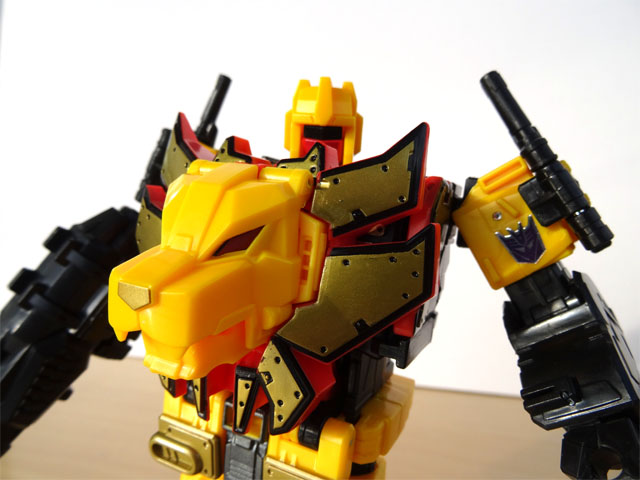 transformers_predaking_razorclaw